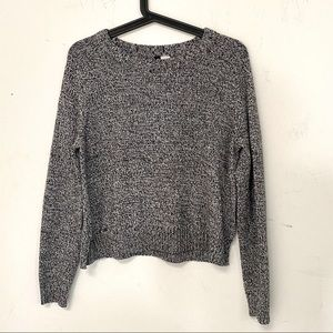 H&M Divided Black and White Sweater Knit Crewneck